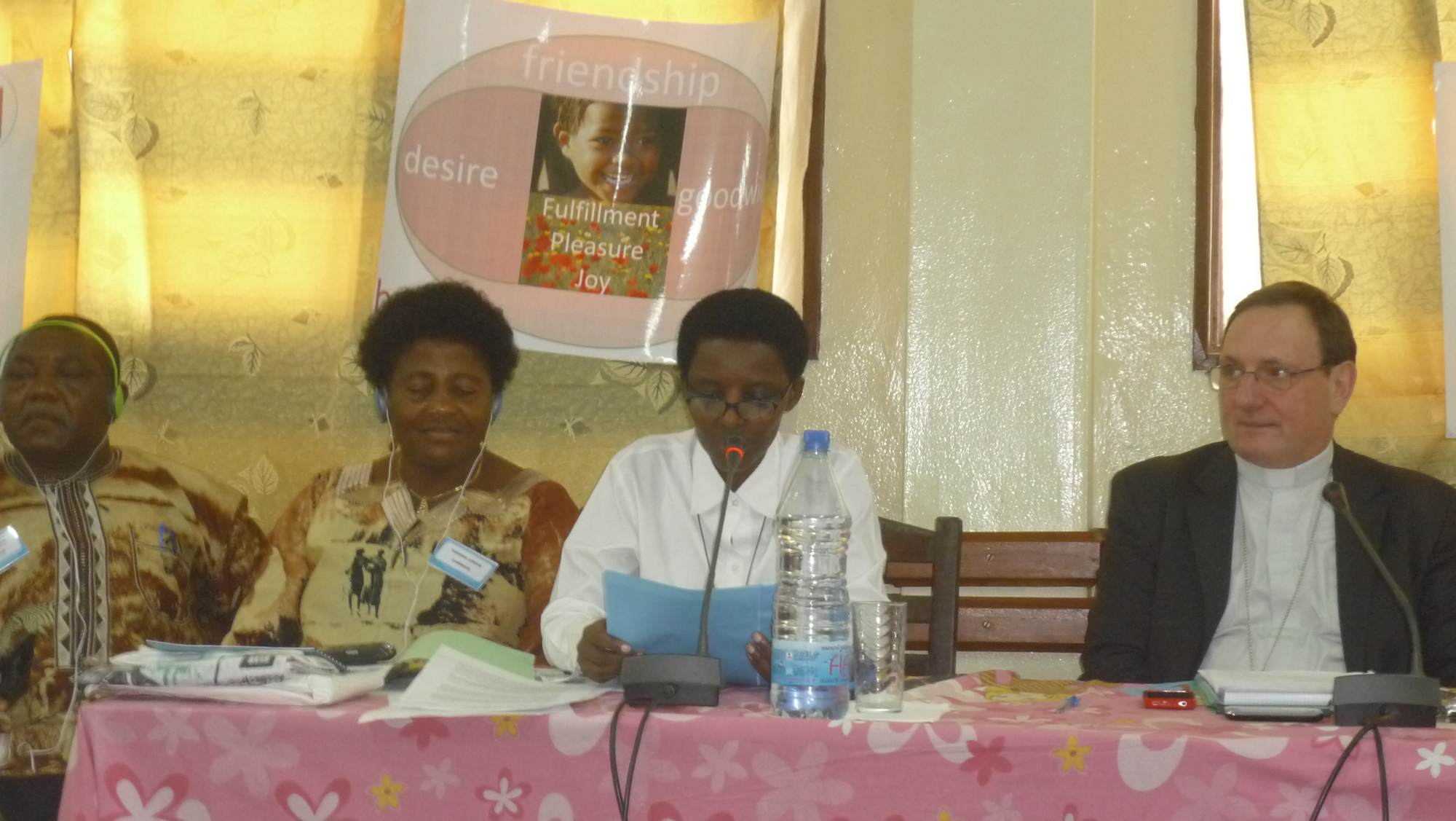 Ephraim and Thereza Lukong, Odette Mulisa and SE Mgr Jean Laffitte 2011